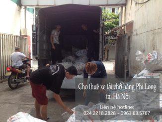 Taxi tai Phi Long tại phố Nam Cao