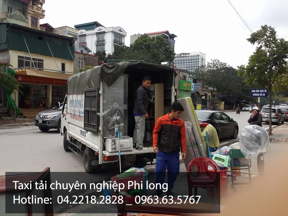 Xe tải nhỏ chở hàng từ phố Hàng Than đi Hải Dương