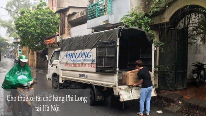 Xe tải nhỏ chở hàng từ phố Giang Văn Minh đi Hải Dương
